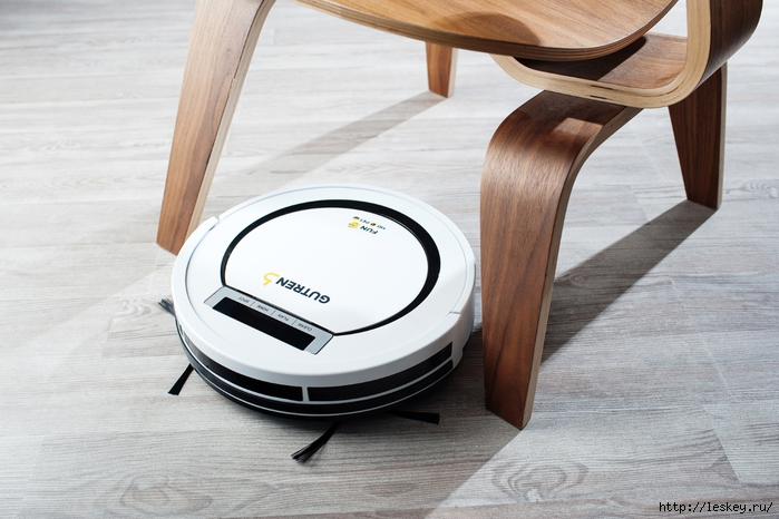 16_Robot_vacuum_cleaner_GUTREND_FAN_110_PET_WB (700x466, 231Kb)