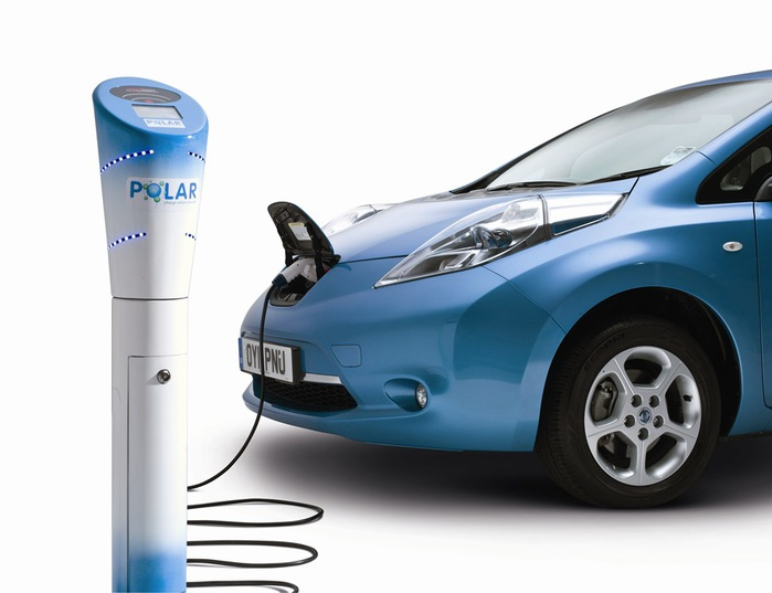2013_01_Polar-charging-point-with-the-Nissan-LEAF (700x537, 62Kb)