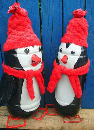 Новогодние поделки из бутылок пингвины