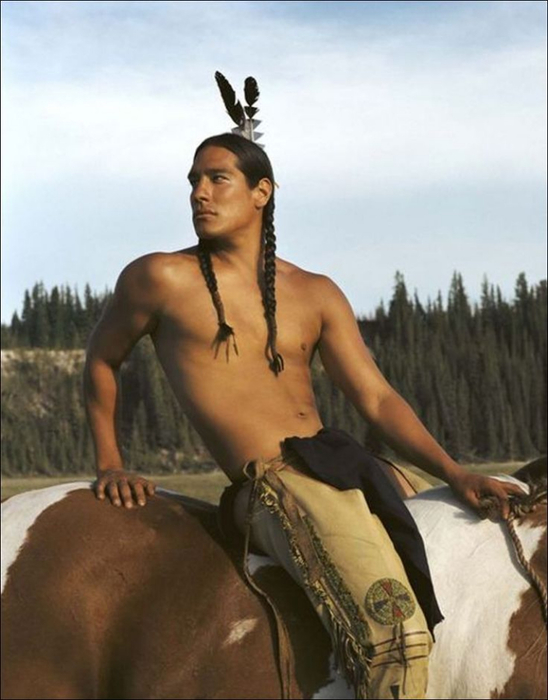 видео голого индейца