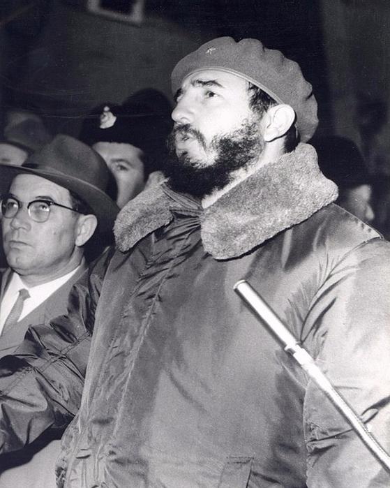 Фидель Кастро на строительстве Братской ГЭС. (13 мая 1963 года). (Фото от Александра Щеглова) (559x700, 320Kb)