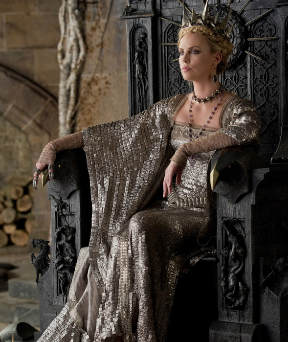 2410_TP2F_00045R_charlize_theron_close_up_i'm_the_queen[1] (589x700, 429Kb)