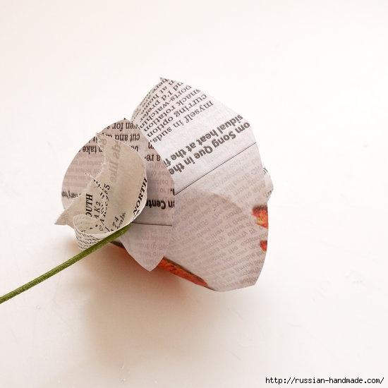 Как из газет сделать букет цветов (8) (550x550, 90Kb)