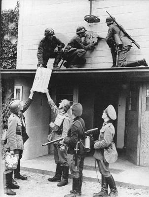 2 сентября 1939 года немецкие войска ликвидировали независимость Данцига (302x400, 55Kb)