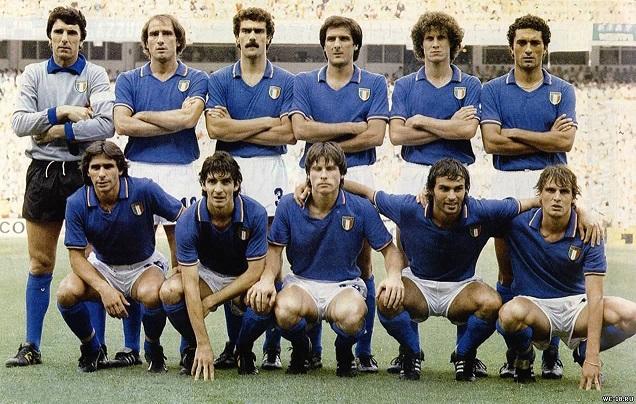 Фото сборной Италии по футболу-чемпиона мира 1982г (636x404, 153Kb)