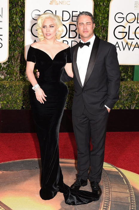 Lady-Gaga-Taylor-Kinney-Golden-Globes-2016-Pictures (2) (465x700, 234Kb)