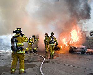 Тушение пожара (300x242, 16Kb)