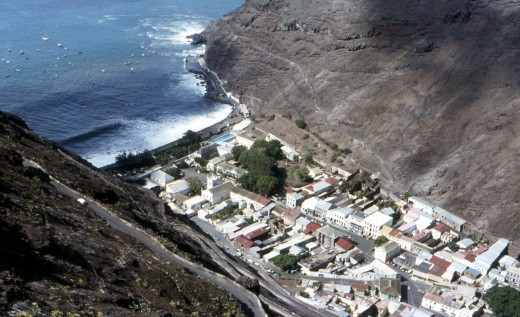 St-Helena-Jamestown-from-above-520x317 (520x317, 66Kb)