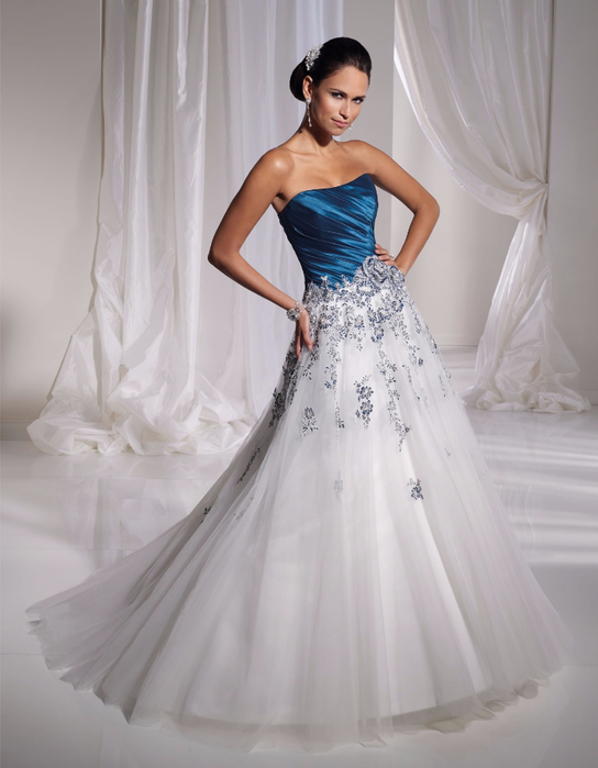 taffeta-softly-curved-neckline-beautifully-draped-bodice-a-line-wedding-dress (544x700, 263Kb)