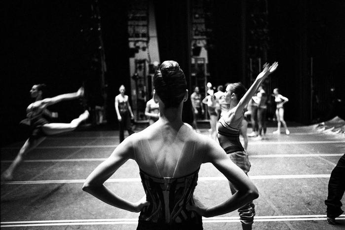 профессиональный балет Генри Лютвайл 1 (700x466, 198Kb)
