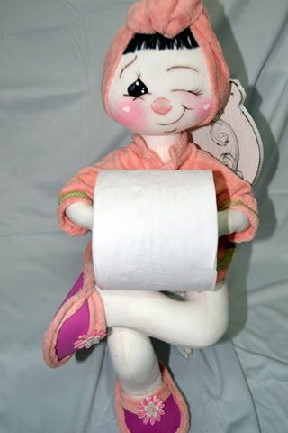 Как сделать держатель для туалетной бумаги в виде куклы