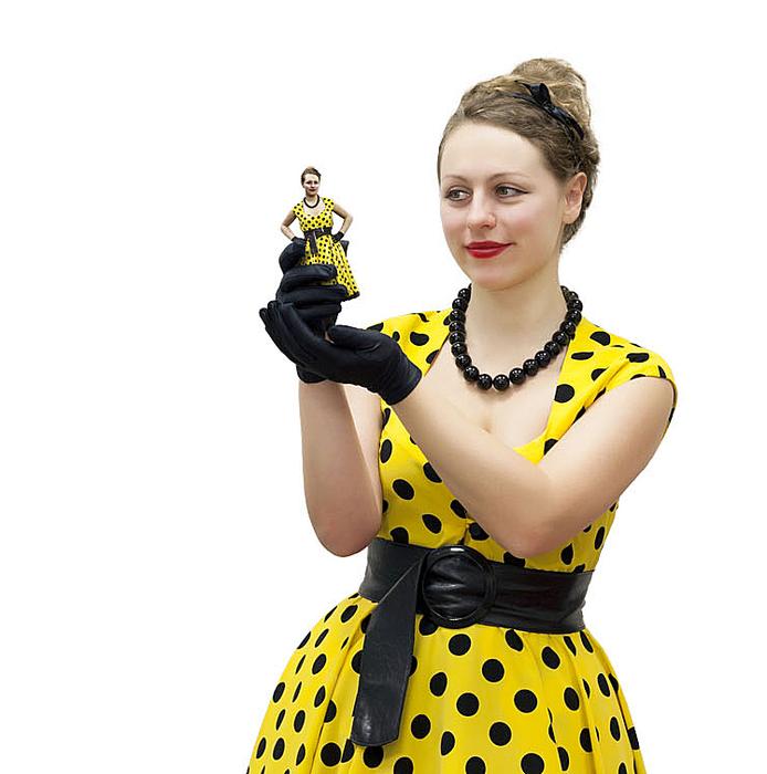 Yellow-Women-3d-copy-me (694x700, 312Kb)