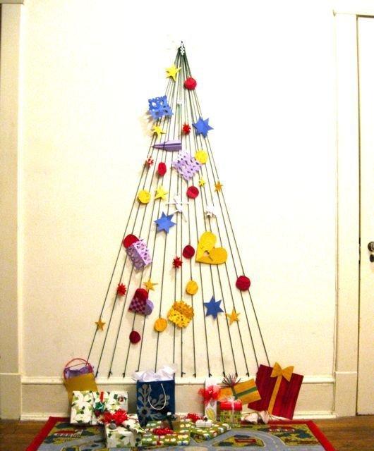 елка на стене шнуры натяжные (530x640, 233Kb)