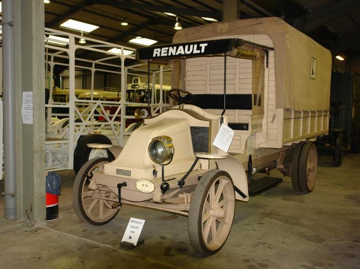 1361629298_truck-auto.info_renault-trucks-history_1 (700x523, 395Kb)