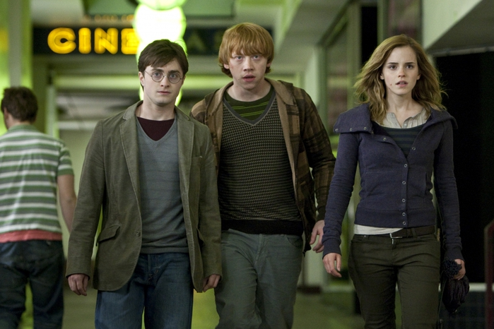 5948133_HarryPotterandtheDeathlyHallowspart1movieimage3 (700x466, 227Kb)