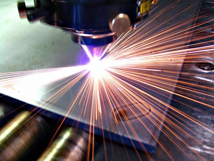 """alt=""""Станок лазерной резки - для чего он нужен?""""/2835299_lazer_2 (700x525, 72Kb)"""