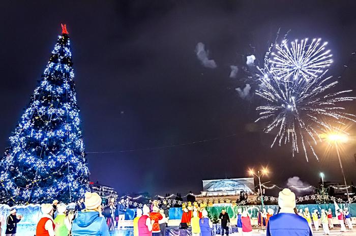 Открытие нового года на площади