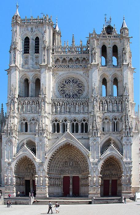 500px-0_Amiens_-_Cathédrale_Notre-Dame_(1) (456x700, 467Kb)