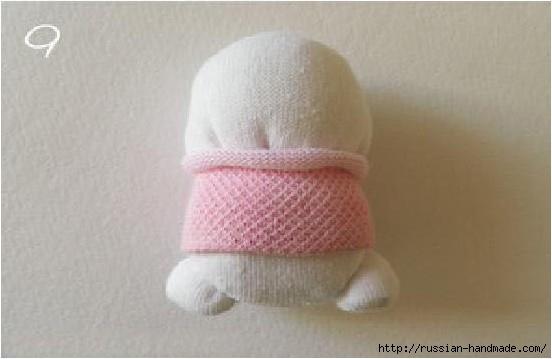 Шьем игрушки из носков. Прикольные ЗАЙЦЫ (10) (552x359, 77Kb)