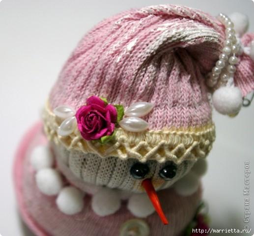 Очень симпатичный снеговичок из носков (8) (517x480, 125Kb)