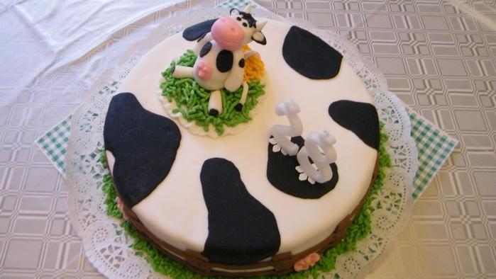 деткий торт с фигурками из мастики (10) (700x394, 260Kb)