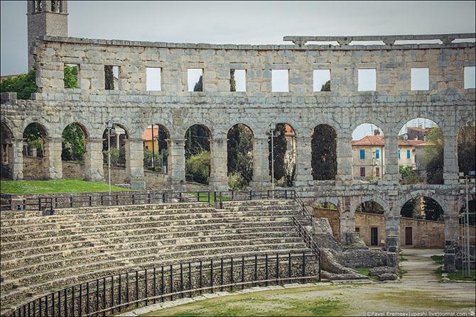 амфитеатр в пуле хорватия фото 11 (670x447, 363Kb)