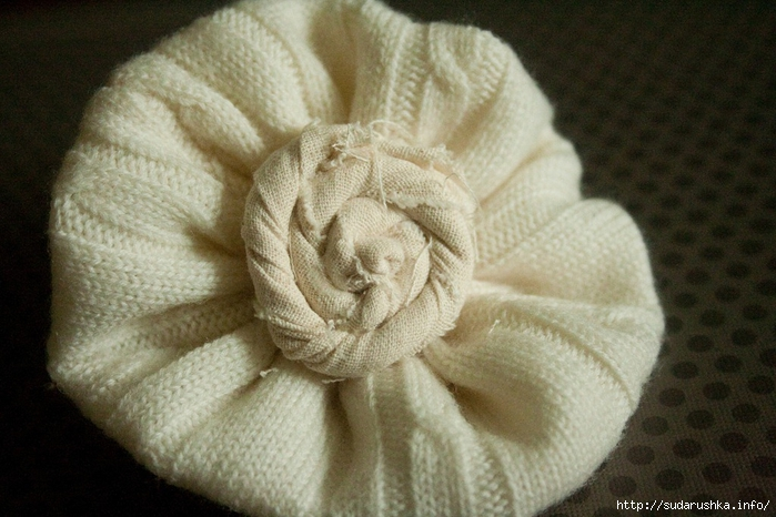 Sweater Flower 059[4] (700x466, 257Kb)