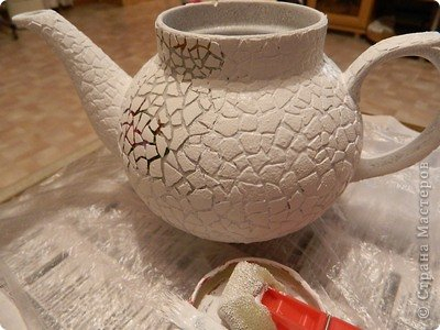 Кашпо из чайника, декорирование яичным кракле (4) (400x300, 115Kb)
