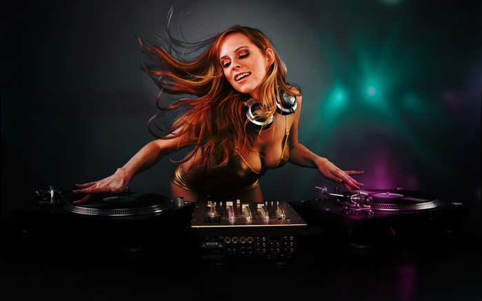 music-woman-dj-814431 (700x437, 170Kb)