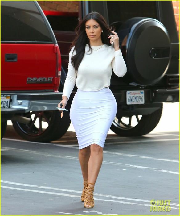 kim-kardashian-wants-to-end-boycott-of-beverly-hills-hotel-01 (584x700, 81Kb)