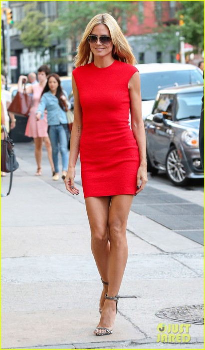 heidi-klum-is-red-hot-in-soho-before-america's-got-talent-10 (411x700, 74Kb)
