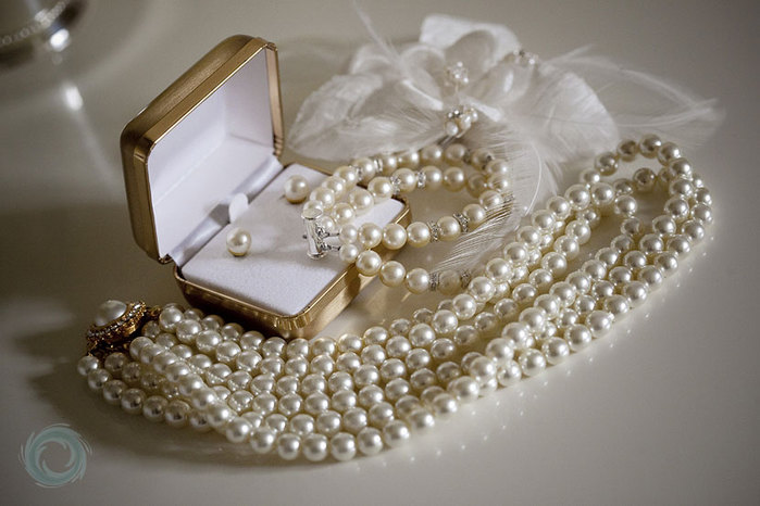 3424885_01weddingpearlsandhairpiece (700x466, 71Kb)