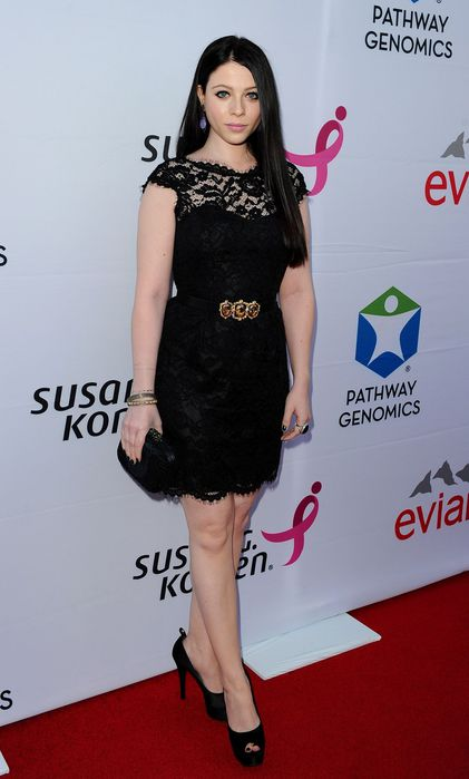 michelle-trachtenberg-at-pathway-to-the-cure-fundraiser-benefit-in-santa-monica_13 (421x700, 36Kb)