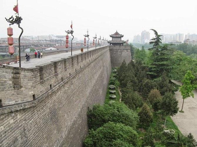 китайская стена город Сиань 2 (670x502, 260Kb)