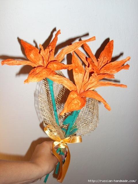 Оранжевые лилии из бумажной рафии (7) (480x640, 175Kb)