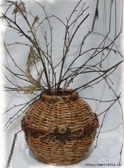 Плетение из газет. Мастер-классы по плетению корзинок и вазочек (42) (406x547, 148Kb)