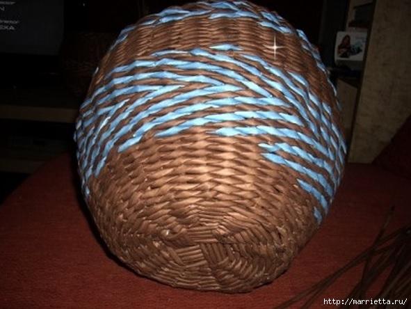 Плетение из газет. Мастер-классы по плетению корзинок и вазочек (48) (591x444, 148Kb)
