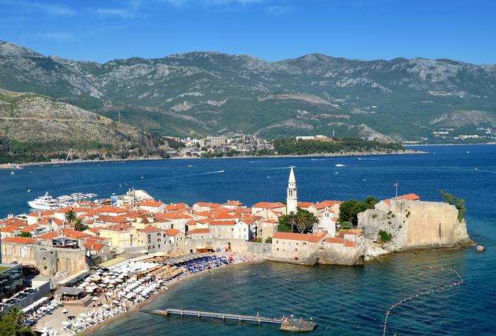 Квартиры и недвижимость в Черногории (3) (700x475, 484Kb)