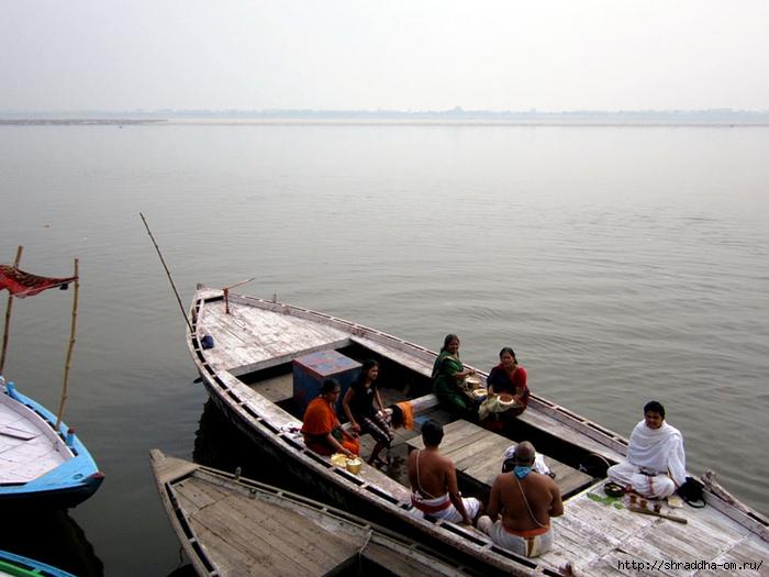 India Varanasi Arati 2014 (29) (700x525, 233Kb)