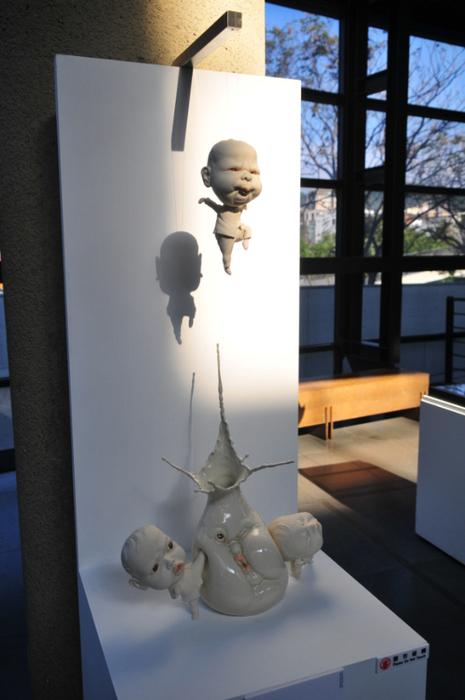 скульптуры из фарфора Джонсон Цанг 10 (465x700, 295Kb)