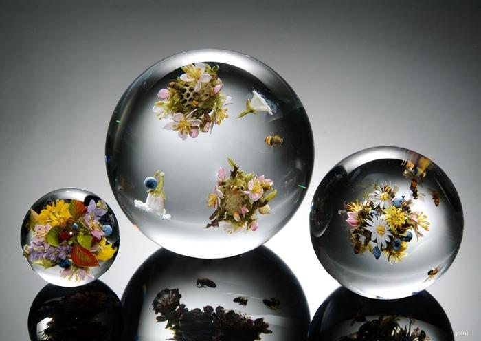 стеклянные шары Paul Stankard 15 (700x496, 201Kb)