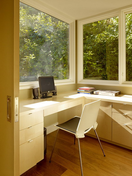 home-office-in-front-of-window4-1 (450x600, 255Kb)