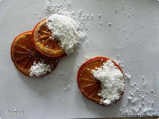 Венок со снеговичками из соленого теста (17) (520x390, 113Kb)