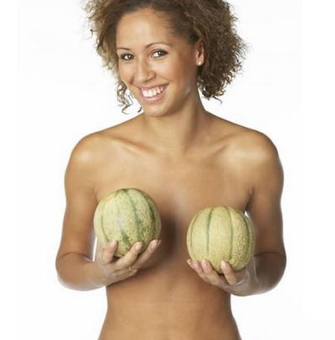 Женщина и ее грудь (2) (487x493, 105Kb)