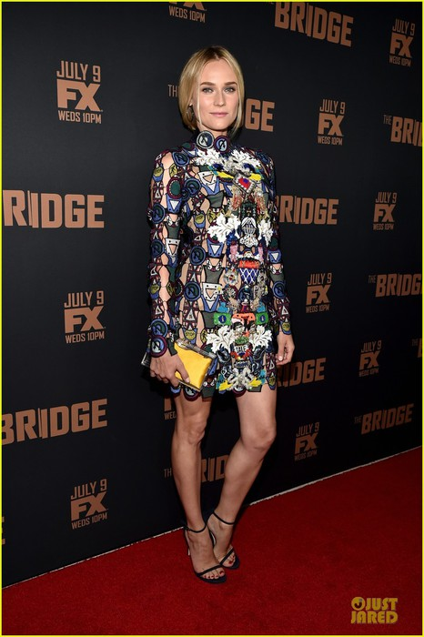 diane-kruger-brings-colorful-fashion-sense-to-bridge-premiere-12 (466x700, 80Kb)