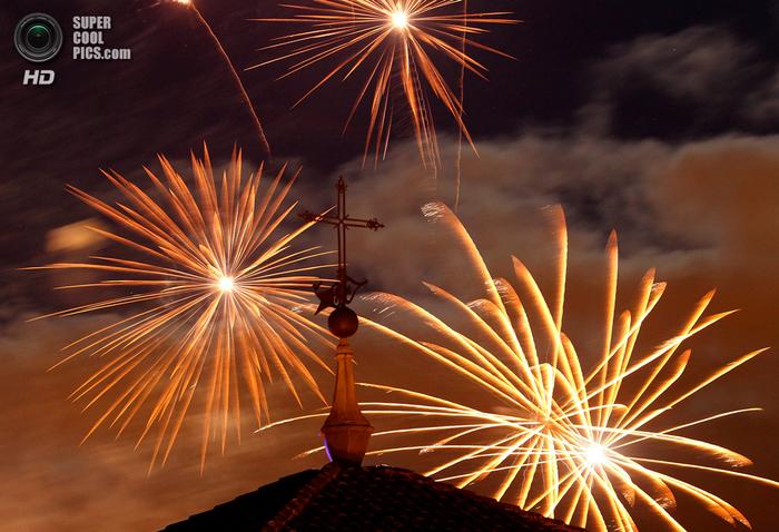 фиеста Сан-Фермин 2014 испания фото 15 (700x478, 478Kb)
