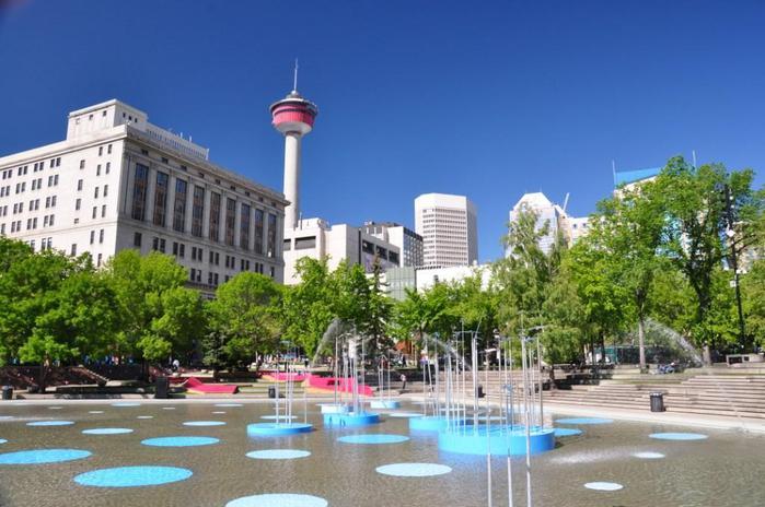 Calgary_-_Olympic_Plaza__Calgary_Tower (700x464, 58Kb)