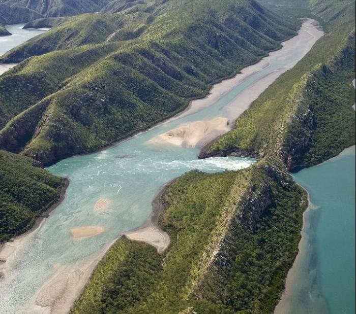 гориз. водопад 9 (700x619, 339Kb)