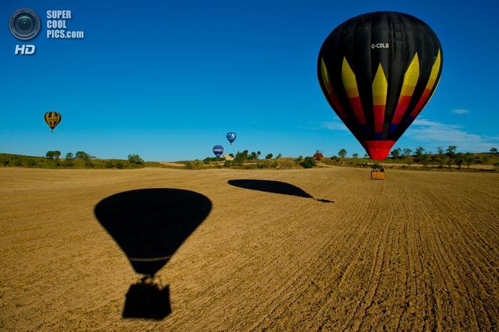 фестиваль воздушных шаров в испании фото 10 (700x466, 464Kb)