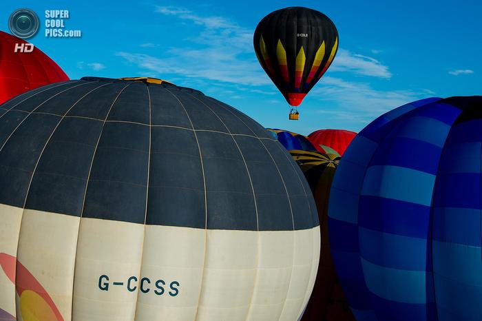 фестиваль воздушных шаров в испании фото 12 (700x466, 340Kb)